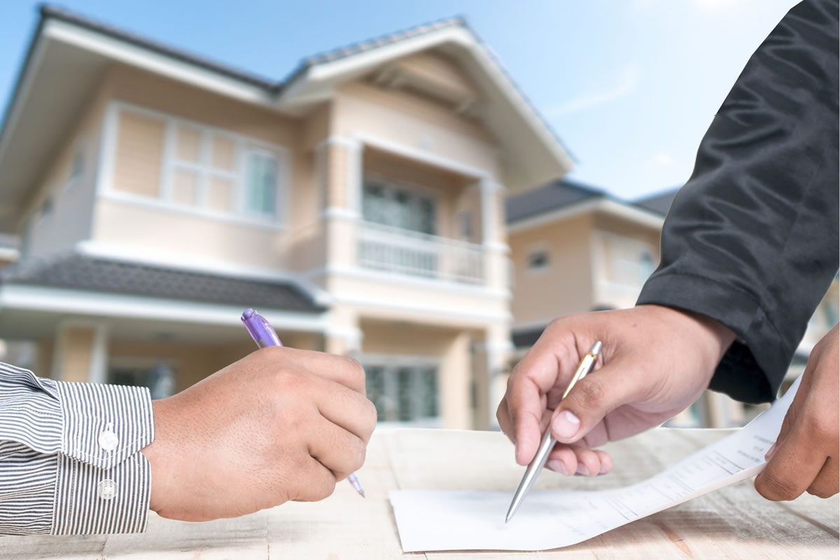 Four Essential Jobs a Real Estate Closing Attorney Will Do for You