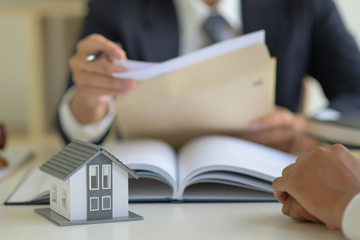 Seven Reasons Why You Need a Real Estate Closing Attorney in Miami, FL
